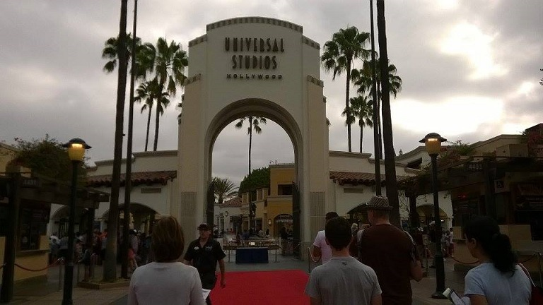 Grand- parc- d`attractions- les- studios Hollywood