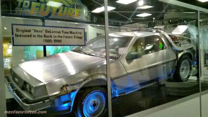 11793407_l`original-Delorean-la -voiture -dans- retour- vers le -futur