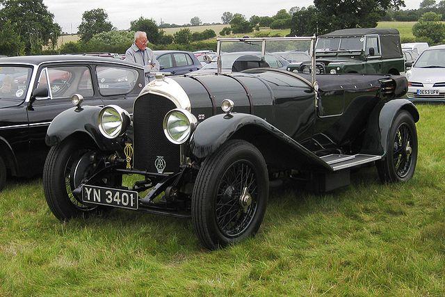 640px-Bentley_3-litre_2996cc_March_1926-2