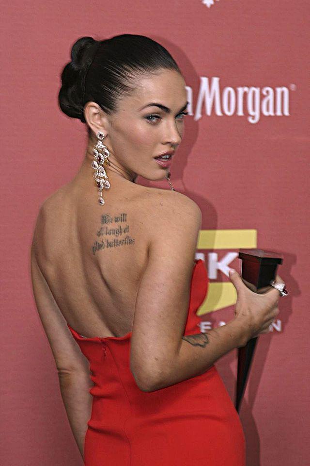 640px-Megan_Fox_back-tatouge-dans-le-dos