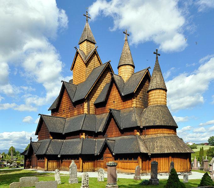 680px-Stavechurch-heddal-église_en_bois_debout