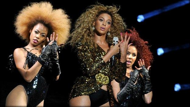 Beyoncé - MAGNIQUE- Festival _ de_Glatonbury