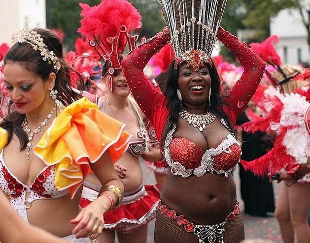 carnaval- de- Londres- Nottil - hill