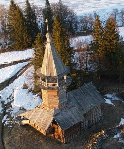 Chapelle_ des _Trois _Saints_ Hiérarques_ du_ village_ Kavgora.