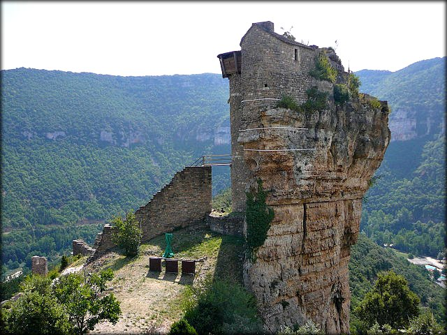 Château_de_Peyrelade_