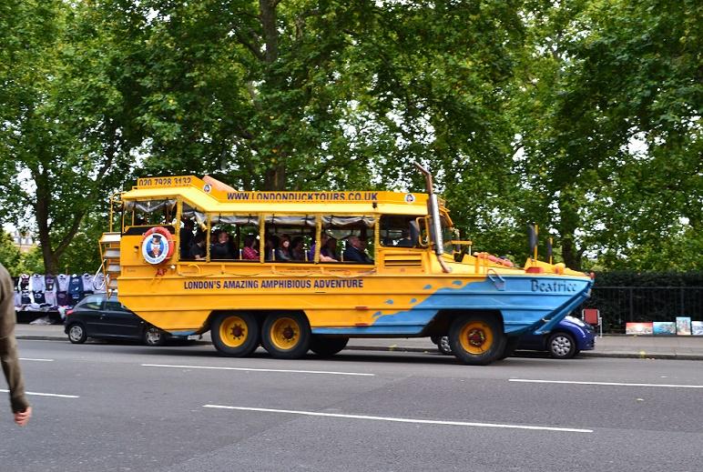 CONVENTION_ DE _TATOUAGE LONDRES -voiture_insolites(240)