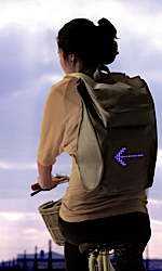 Un sac à dos de signalisation pour cyclistes