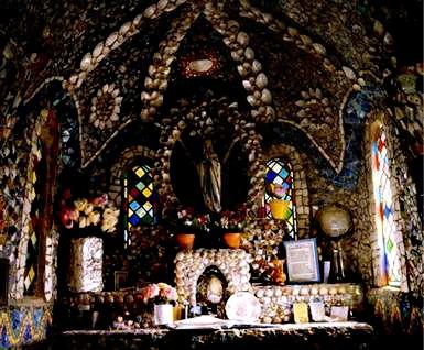 La Petite Chapelle, Guernesey_ INTERIEUR_ DE_ LA _CHAPLLE_mesfavorisites.com