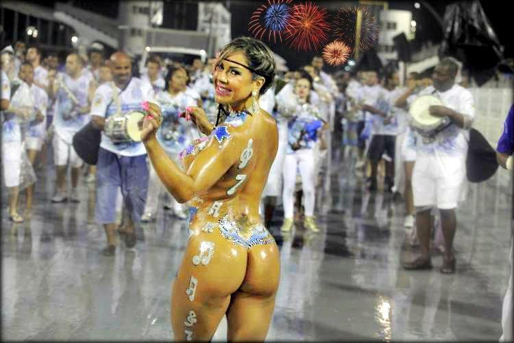 320px-CarnavalNica_ in Managua_fête-samba