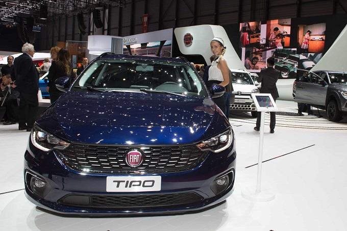hôtesses-Fiat Tipo