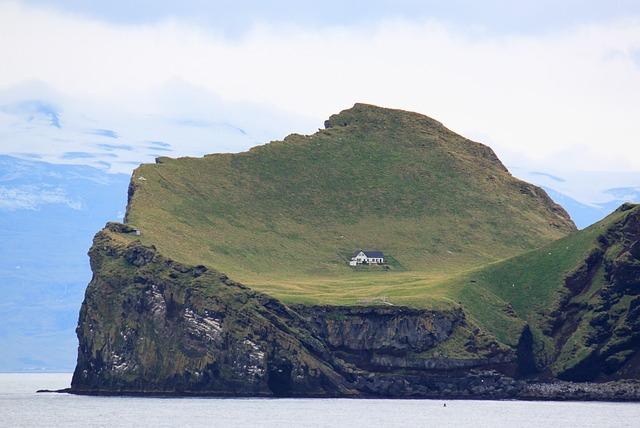 le Maison- Montagne- Glacier -Mer- Islande-