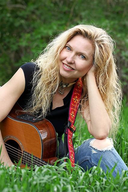 jeune fille, guitare, pierre, chanteur, performance, caucase, pop, chanson