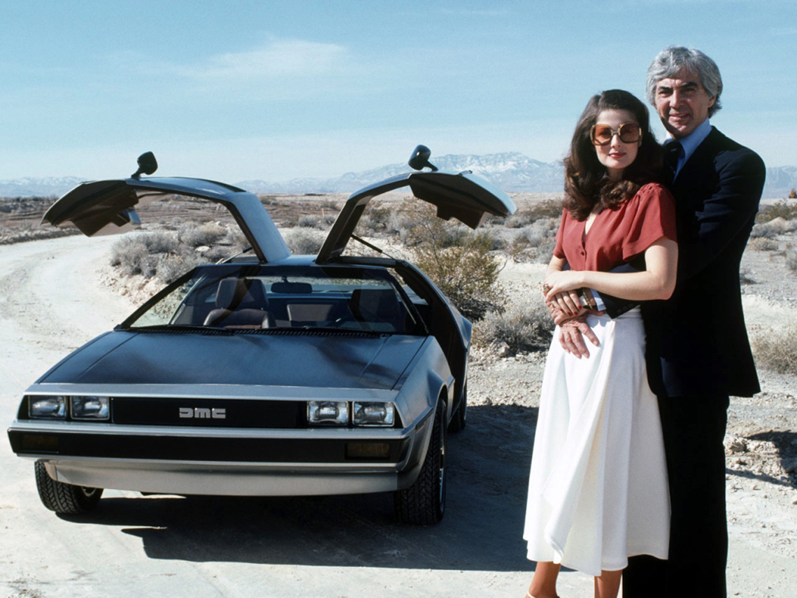 John DeLorean pose avec son épouse Cristina Ferrare