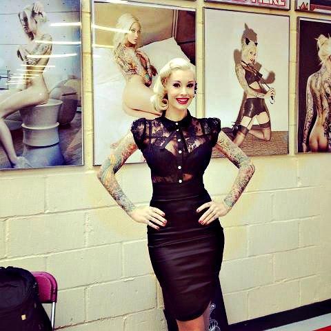 La-belle-Sabina _Kelley-à-la _convention-tattoo - de -Londres