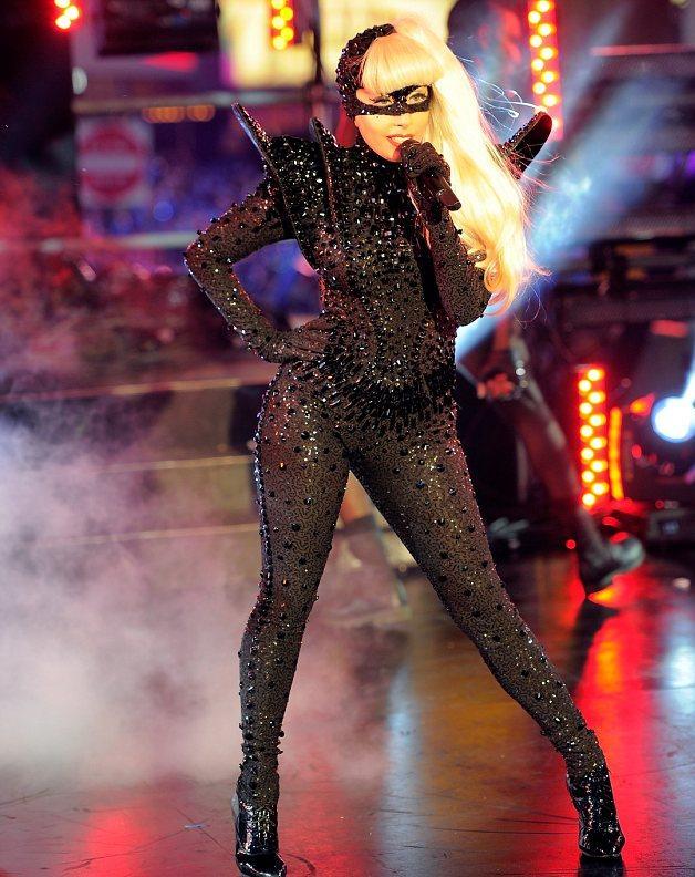 Lady -GaGa-Times -Square+mesfavorisites.com