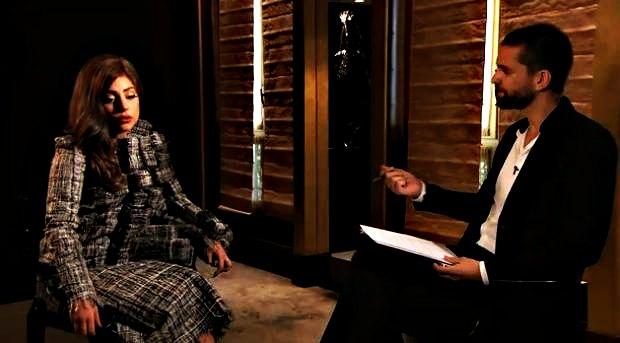 Lady Gaga la reine du buzz en robe trois D_mesfavorisites.com