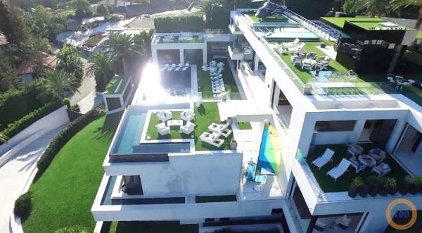 la maison la plus ch re du monde 250 millions bel a. Black Bedroom Furniture Sets. Home Design Ideas