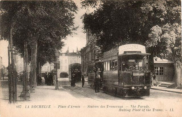 La-Rochelle_Place_d_Arme_Tramway_Mékarski