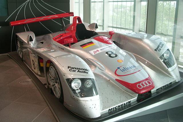 L`Audi R8_ victorieuse de l`édition 2000