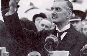 Le Premier ministre britannique Neville Chamberlain