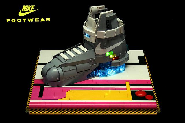 Les Nike de Retour vers le Futur en Lego