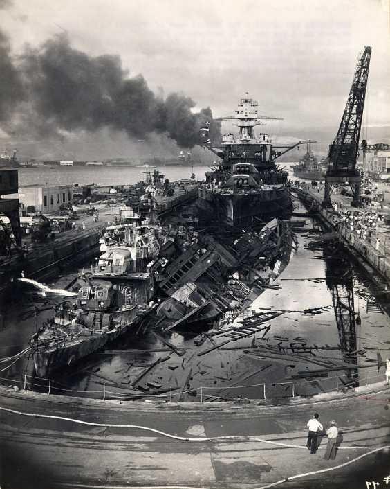 Les photos ont été prises par un marin de l?USS Quapaw ATF 11O. PEARL HARBOR Décembre 7th 1941 (3)