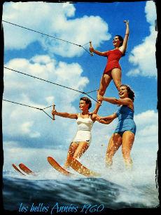 les-belles-années-60-photo-femmes-en-vacances-la-mode-des-maillots-de-bain_