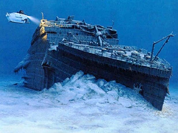 le-navire-le-titanic-fond-de-la-mer