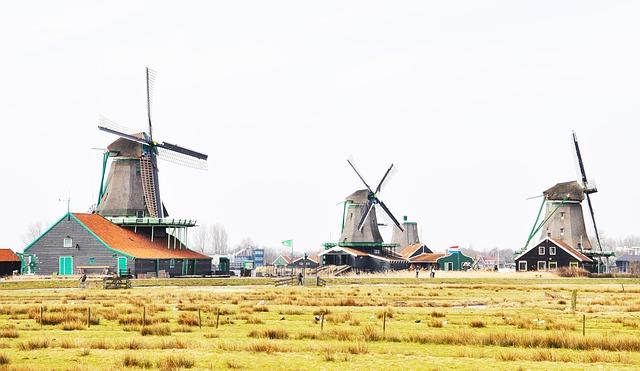 Village De Moulin Vent De Style Des Pays-Bas