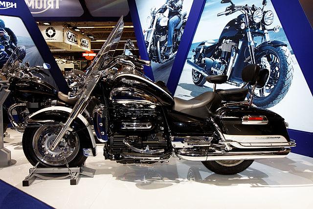 la plus Grosse- moto la Triumph-Rocket-III_mesfavorisites.com