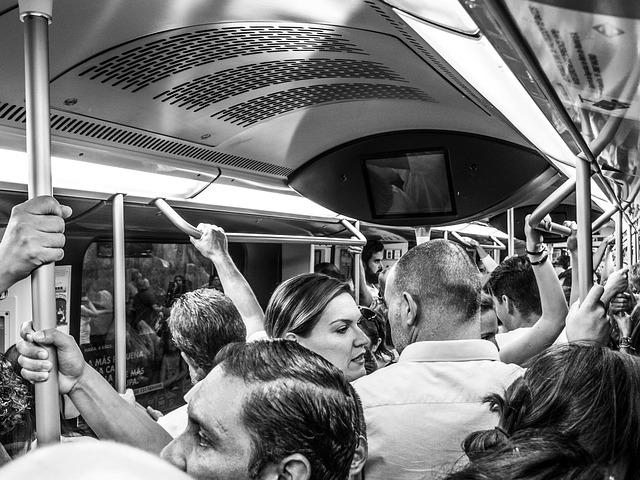 people-train-voyageurs