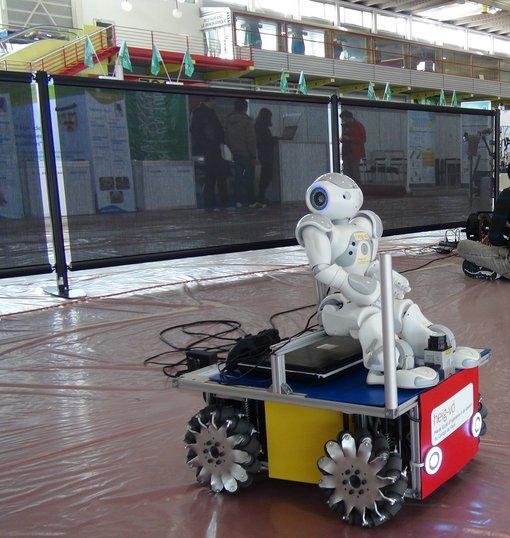 robot - yverdonnois- -inauguration-salon- inventions-Genève