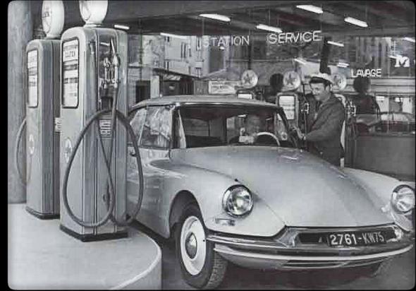 Citroën DS19 (un moteur de 1,9 litres)